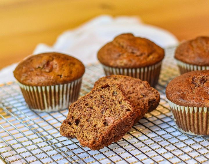THE EASIEST STRAWBERRY BANANA MUFFINS EVER