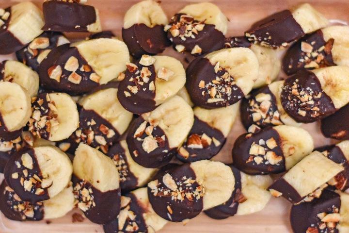 SALTED DARK CHOCOLATE HAZELNUT BANANABITES