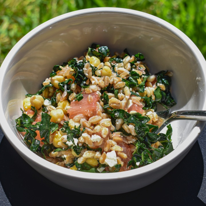 CITRUS CHICKPEA KALE BOWL
